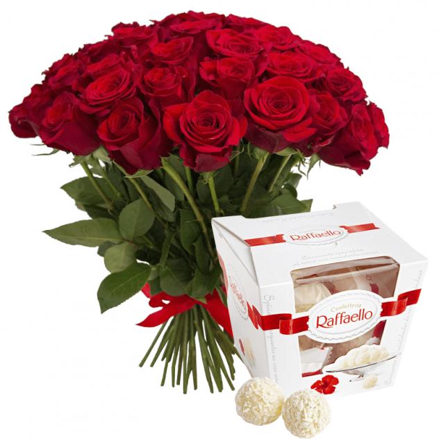 Букет из 25 красных роз и Раффаэлло